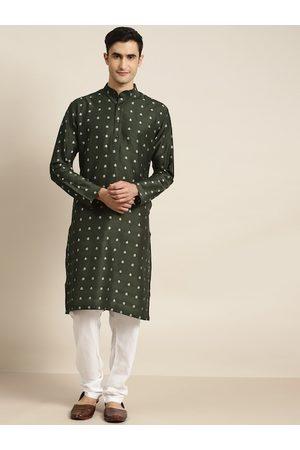 SOJANYA Men Green & Off-White Jacquard Woven Design Kurta with Churidar