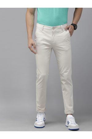 Pepe Jeans Men Slim Trousers - Men Beige Mullet Slim Fit Solid Regular Trousers