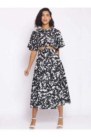 Cottinfab Women Black & White Midi Dress