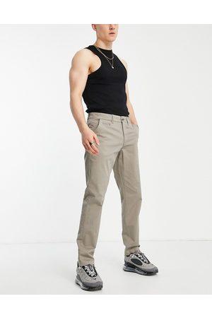 New Look Men Chinos - Slim chino trousers in dark