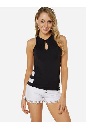 YOINS Sexy Sleeveless Cut Out Top