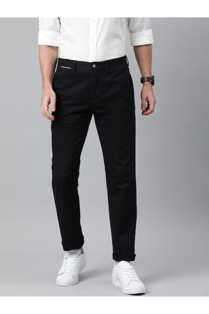 Tommy Hilfiger Men Black & Grey Straight Fit Self Design Denton Chinos