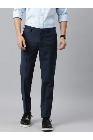 Tommy Hilfiger Men Navy Blue & Black Tailored Fit Checked Regular Trousers