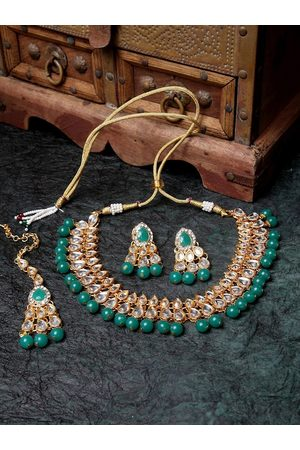 ANIKAS CREATION Gold-Plated White & Green Kundan-Studded Pearl Beaded Jewellery Set