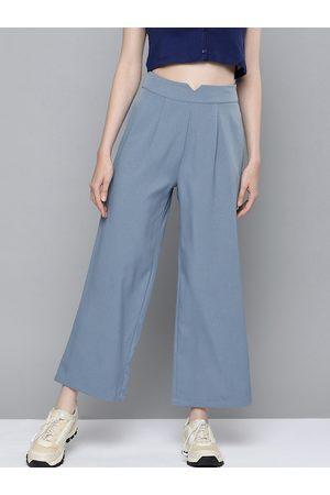 Sassafras Women Blue Solid Wide Leg Pleated Palazzos