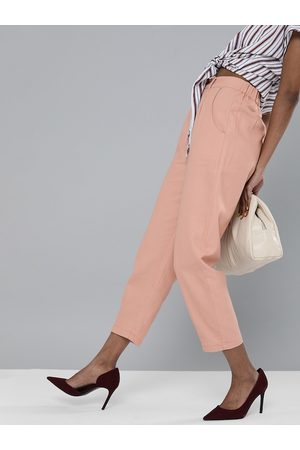 Sassafras Women Pink Pure Cotton Regular Fit Solid Cropped Trousers