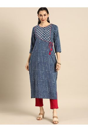 Varanga Women Blue & White Printed Thread Work Kurta