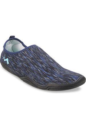 Metro Women Black & Blue Woven Design Slip-On Sneakers