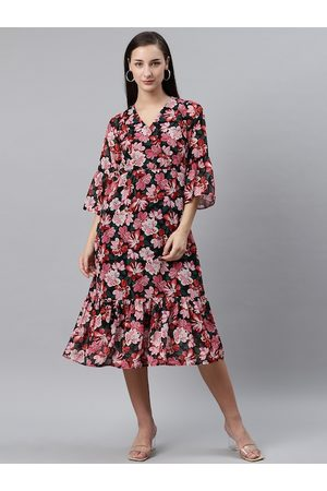Pluss Women Black & Pink Floral Print Wrap Dress