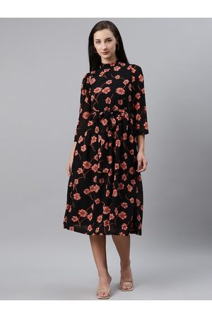 Pluss Women Black & Red Floral Print Fit & Flare Dress