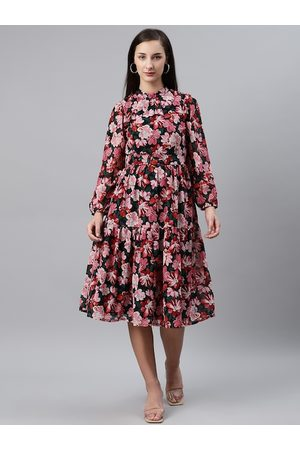 Pluss Women Black & Pink Floral Print Fit & Flare Dress