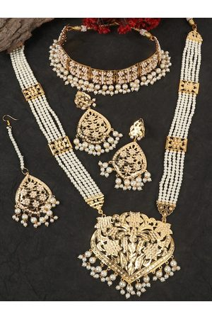 JEWELS GEHNA Gold-Plated White Pearl Studded & Beaded Traditional Jadau Jewellery Set