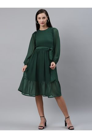 Pluss Women Green Solid Fit and Flare Dress with Belt