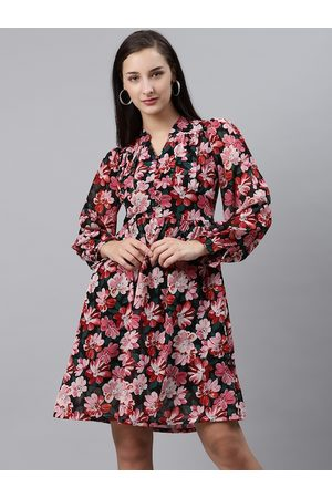 Pluss Women Black & Pink Floral Print A-Line Dress