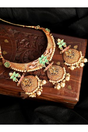 ANIKAS CREATION Gold-Plated Green & Off-White Kundan-Studded Beaded Enamelled Jewellery Set