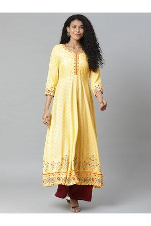 Rangriti Women Yellow & Orange Printed Anarkali Kurta