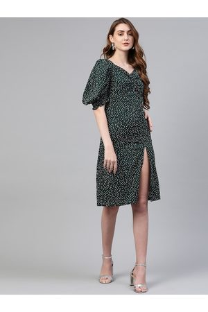 Pluss Women Green Printed A-Line Dress