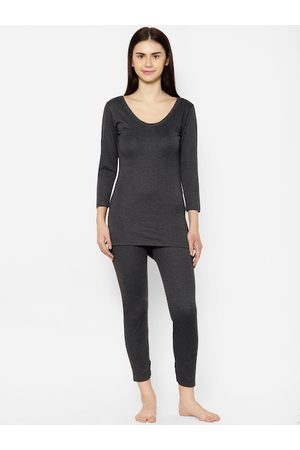 VIMAL JONNEY Women Black Solid Thermal Set