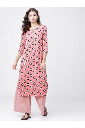 Vishudh Women Coral Pink & Black Printed Kurta with Salwar