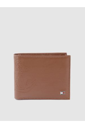 Tommy Hilfiger Men Brown Anchor Textured Leather Two Fold Wallet