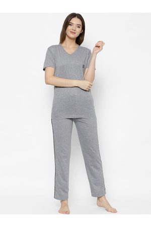 VIMAL JONNEY Women Grey Solid Night suit