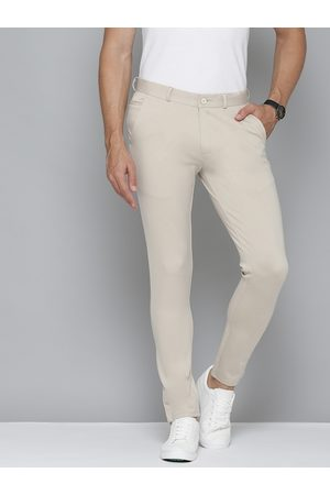 DENNISON Men Cream-Coloured Smart Skinny Fit Solid Cropped Chinos