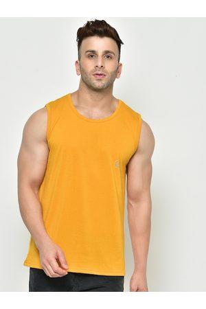 CHKOKKO Men Mustard Solid Round Neck T-shirt