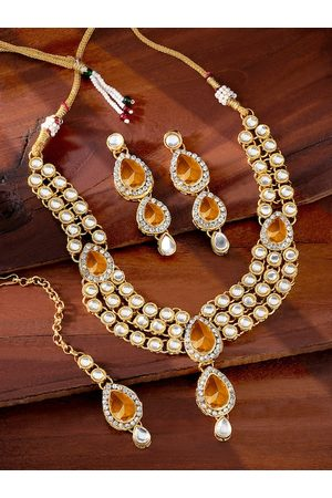 Peora Gold Plated Champagne Kundan Studded Jewellery Set