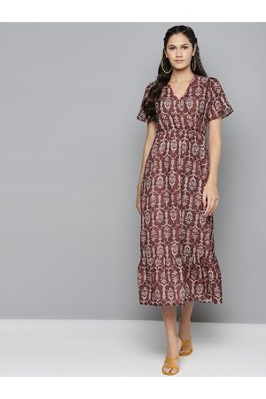 Sassafras Women Maroon & White Printed Fit and Flare Dress