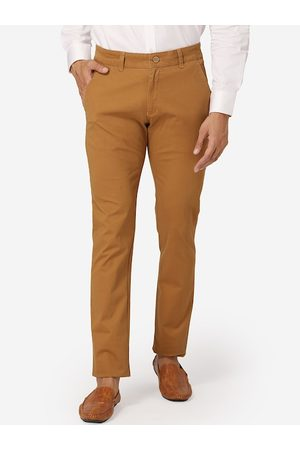 Wintage Men Mustard Regular Fit Solid Chinos