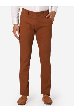 Wintage Men Brown Regular Fit Solid Chinos