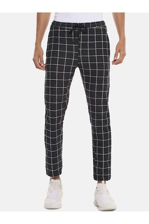 Campus Men Black & White Checked Straight-Fit Track Pants