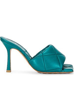 Bottega Veneta BV Rubber Lido Sandals in Duck