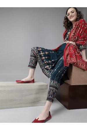 Ishin Women Teal Blue & Maroon Printed Kurta with Trousers & Dupatta