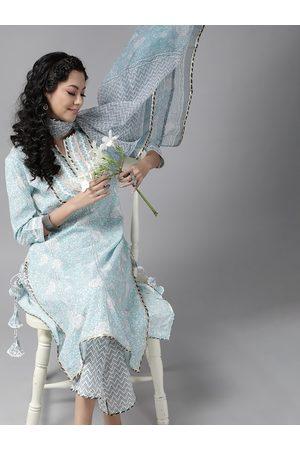 Ishin Women Blue & White Floral Block Print Pure Cotton Kurta with Trousers & Dupatta