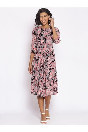 Cottinfab Women Multicoloured Printed Fit and Flare Dress