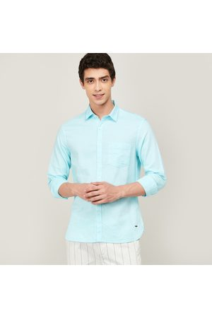 Code Men Solid Slim Fit Casual Shirt