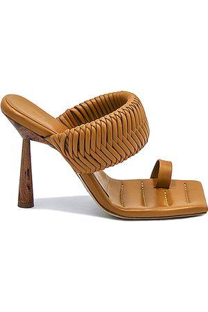 GIA/RHW Toe Ring Mule in Golden