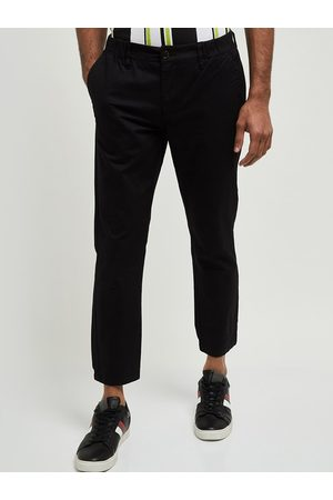 Max Collection Men Black Skinny Fit Solid Chinos