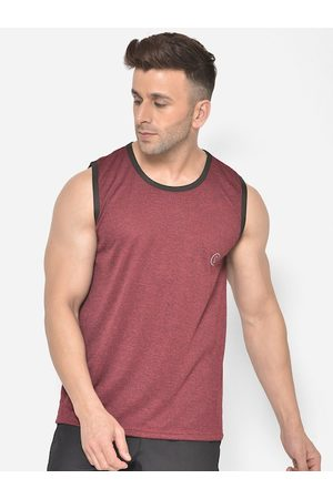 CHKOKKO Men Maroon Solid Dry Fit Round Neck T-shirt