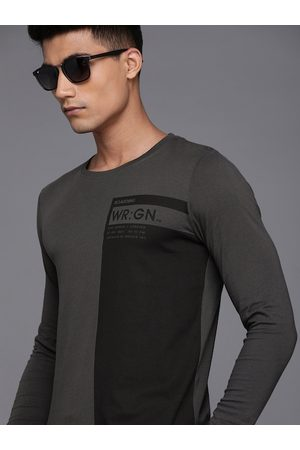 WROGN Men Charcoal Grey & Black Colourblocked Pure Cotton Round Neck T-shirt