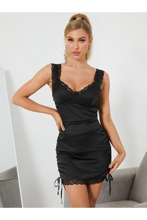 YOINS Lace Trim Tie-up Design Ruched V-neck Sleeveless Mini Dres