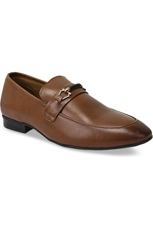 Teakwood Leathers Men Brown Textured Leather Formal Loafers