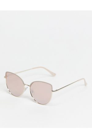 Jeepers Peepers Womens cats eye sunglasses in with tinted lens