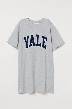 H&M Printed T-shirt dress - Grey