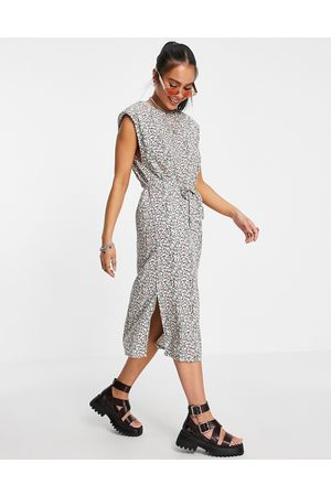 ONLY Midi dress with shoulder pads and tie waist in floral print