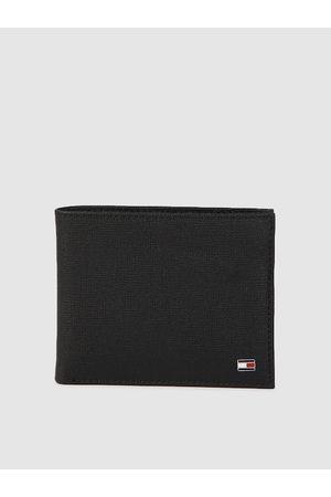 Tommy Hilfiger Men Black Leather Textured Two Fold Wallet