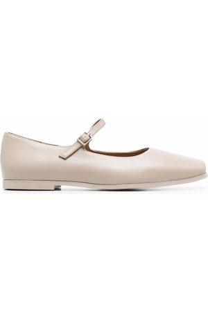 12 STOREEZ Square-toe ballerina shoes