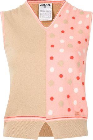 CHANEL 2002 V-neck sleeveless knitted top
