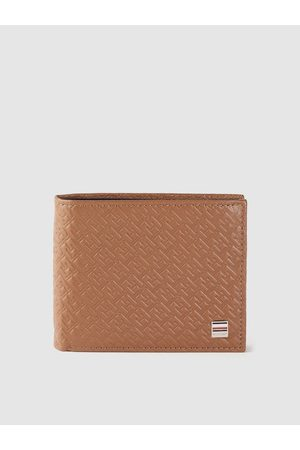Tommy Hilfiger Men Tan Brown Brand Logo Textured Leather Two Fold Wallet with RFID